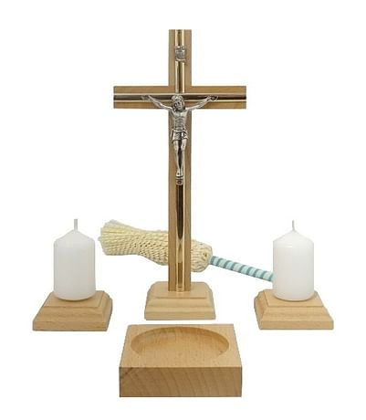 Komplet: kríž + kropenička, drevený - bledý (KMZ01)