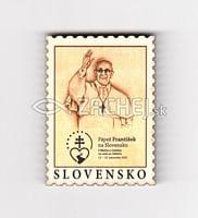 Magnetka: Pápež František na Slovensku (známka), drevená